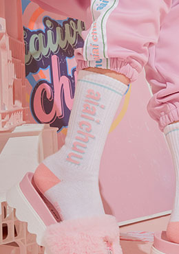 aiaichuu. pink stamp socks